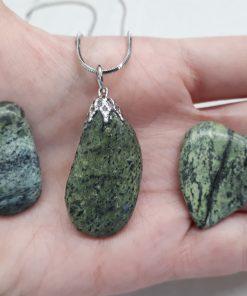 אבן חן סרפנטיין רוסי