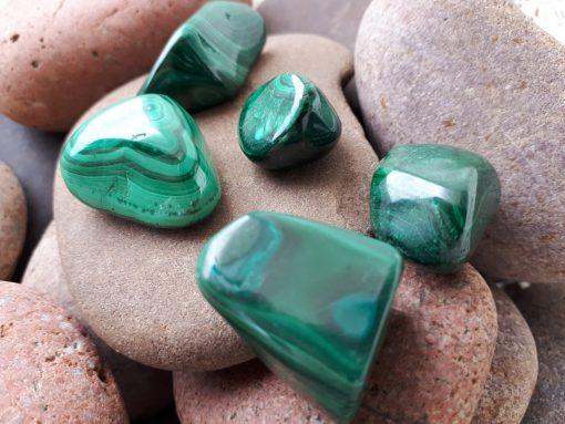 אבן חן מלכית מחיר, תכונות