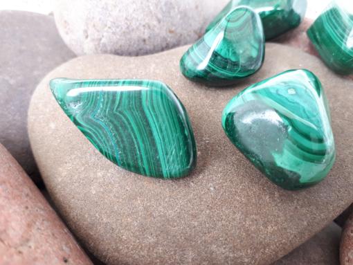 אבן חן מלכית