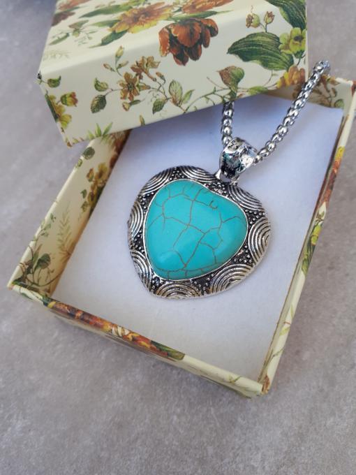 תליון טורקיז מתנה לאשה. תכשיטים אנרגטיים מתנה לאשה