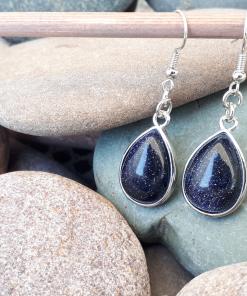 עגילי אבן חן קריסטל כחול. תכשיט מקורי לאשה