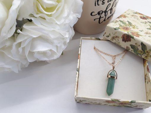 תליון אבן פלורייט שרשרת זהב מתנה לאישה