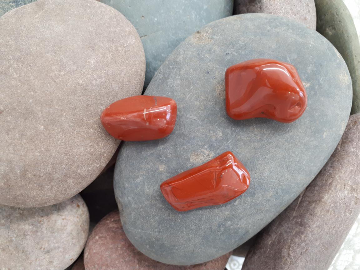 אבן חן ג'ספר אדום