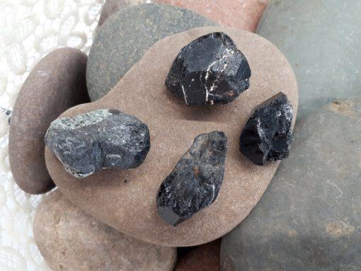תליון טורמלין שחור, מחיר, תכונות,צמיד טורמלין שחור, שרשרת טורמלין שחור, טורמלין מחיר