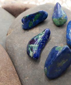 אבן חן אזוריית מלכית